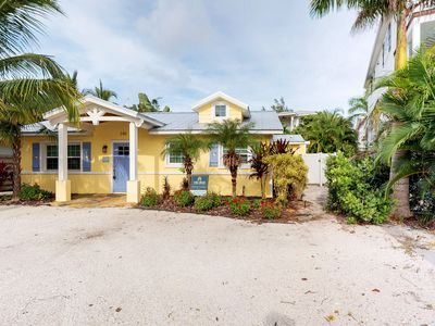 Photo for Indulgent cottage w/ Gulf views, private pool, and easy beach access!