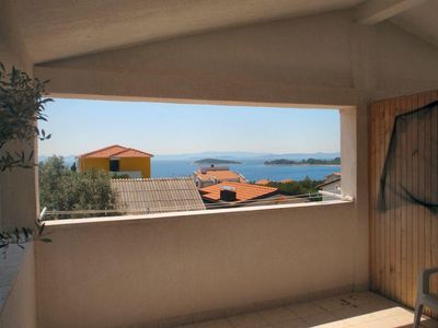 Photo for Two bedroom apartment with terrace and sea view Ždrelac (Pašman)