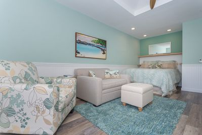 Light and bright beach cottage newly remodeled