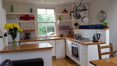 Photo for Bright spacious garden flat in trendy West Norwood, v. quiet street, great area