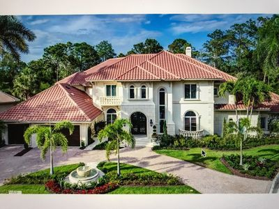 Photo for Stately, 2-story, 6 bedroom, 5,835 sq. ft. home