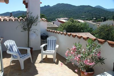 roof terrace -view south to the Albères massive