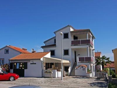 Photo for Large apartment only 300m from the beach in Porec