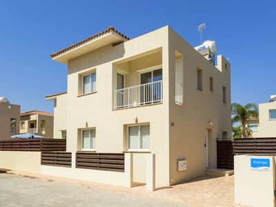Villa Thomas, 3 Bedroom Villa with Pool and Slide!