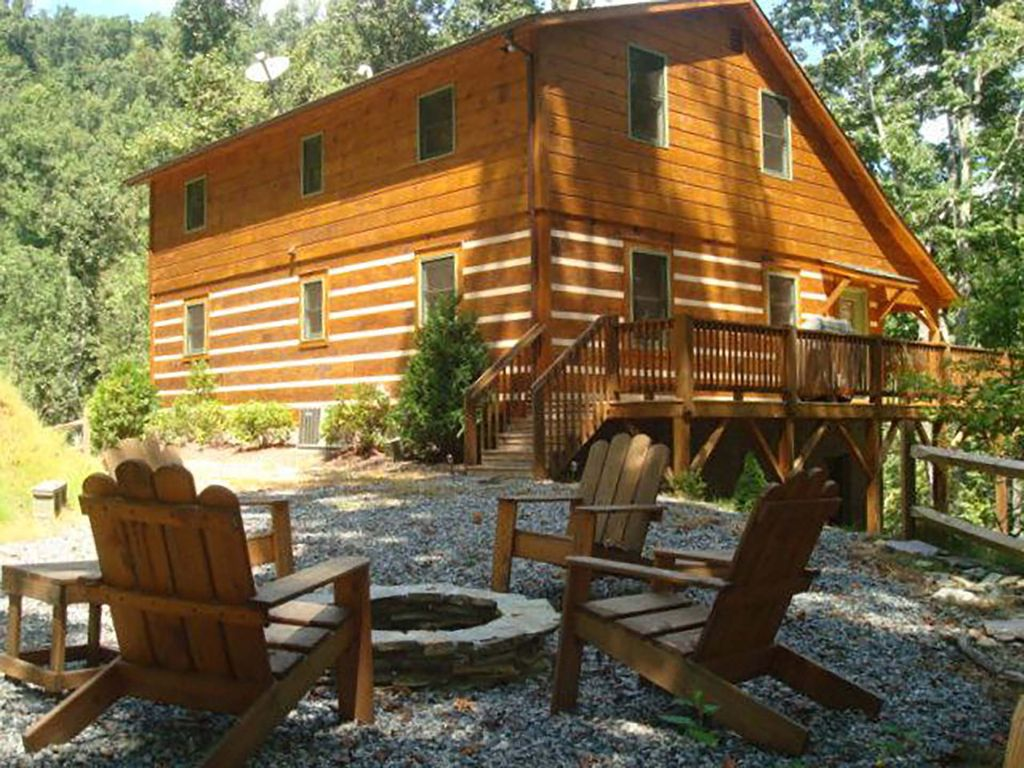 An irish blessing 4br 3ba hot tub poo homeaway for Table rock nc cabins