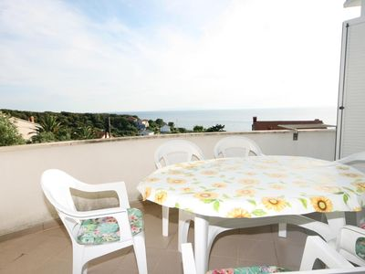 Photo for Two bedroom apartment with terrace and sea view Jakišnica (Pag)