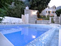A really lovely villa, in a good location for exploring or for just sitting by the pool.