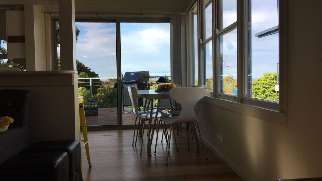 45 Culgoa - ocean views & 5 mins to beach :)