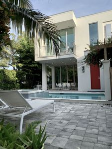 Photo for Luxury Modern Townhome 1 block to the Beach Private Pool and Spa