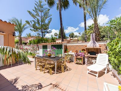 Photo for Beautiful chalet near the beach in Costa de la Calma