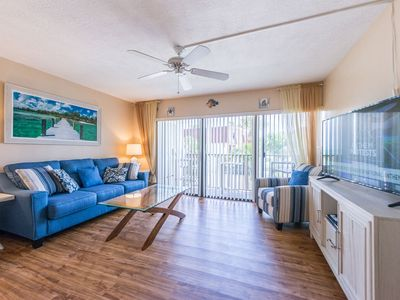 Photo for Tropical Oasis at Chateau by the Sea - Family and Pet Friendly
