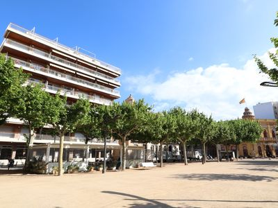 Photo for Apartment close to the shopping center, in front of the beach
