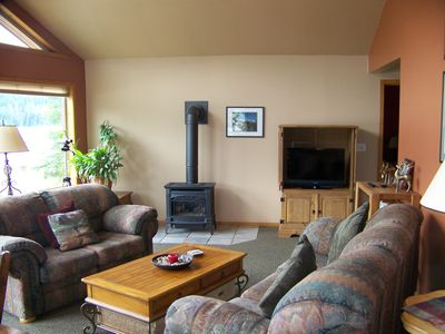 Great Room with gas fireplace, flat screen TV, Blu-Ray DVD player.