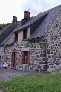 Photo for Quiet traditional Auvergne renovated house, lots of comfort, exceptional setting