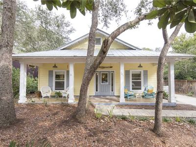 Photo for Pet Friendly! Beautiful, spacious cottage! Screen porch! 1/4 mile from beach!