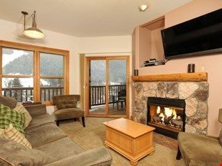 Photo for Fantastic Spacious Mountain Condo for 8 with Amazing Views