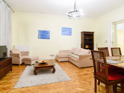 Photo for Classy apt w/ 2 BR ensuite near Danube in Budapest center