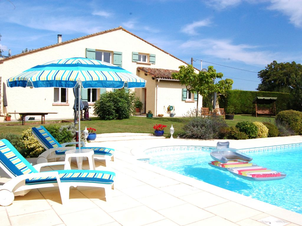 Home from Home   Luxury 2 bed Gite with Large Pool Close to Historic  Villages. Home from Home   Luxury 2 bed Gite with      HomeAway Cambes