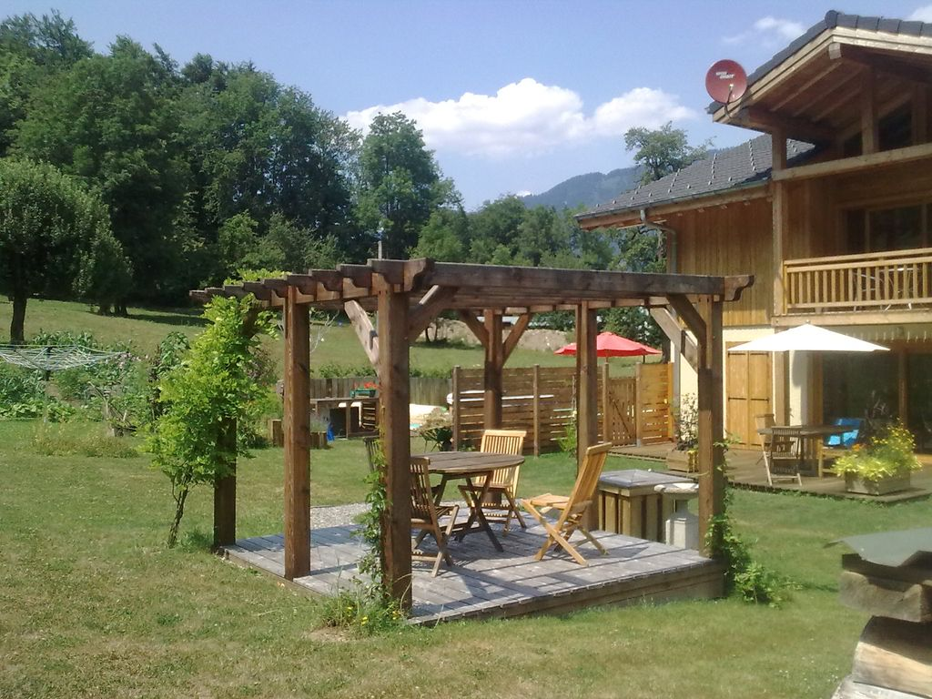Luxury Chalet with Hot Tub and Swimming Pool - 8025212