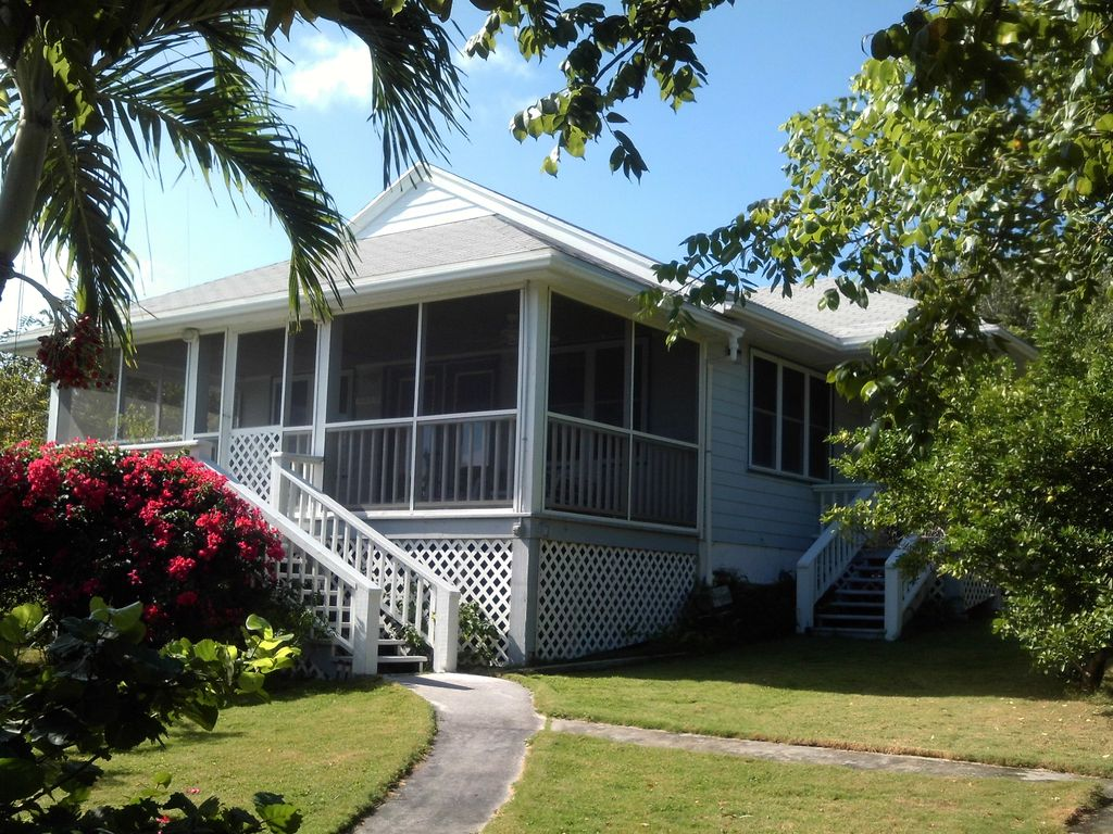 Beautiful home with wifi tv AC private HomeAway Hope Town