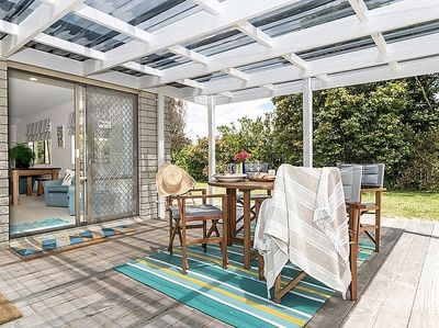 Everything's Beachy - Papamoa Holiday Home - Outdoor Living