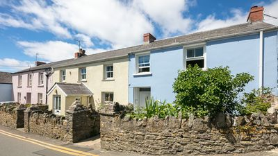 Photo for Milton cottage in the heart of Manorbier village, five minute walk to beach