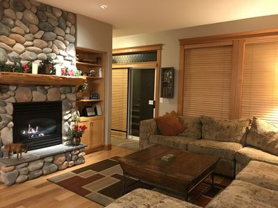 Photo for Fabulous townhouse, ski in/ski out, private hot tub, sleeps 7