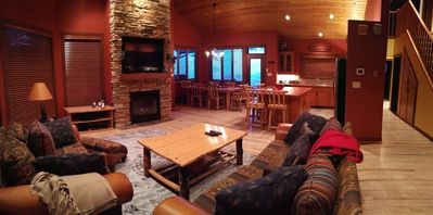 Jackpine Lodge Vacation Rental, Panorama Resort, open concept main floo