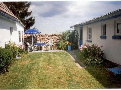 Photo for Bungalow with terrace and barbecue facilities