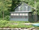 3BR Cottage Vacation Rental in Rock Stream, New York