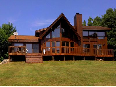 Burt Lake, Lake Front Family Vac. Home, 4 BR-3 BA, Great Sunsets in Private Sub