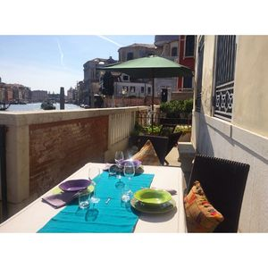 Photo for Momon terrace over the Grand Canal