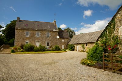 Recently renovated spacious Breton farmhouse - contemporary interior, yet full of character