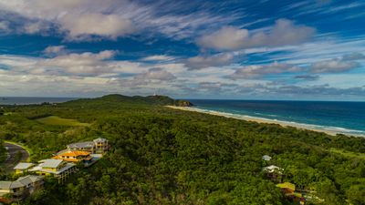 Photo for Luxury Topfloor Suite with Sweeping Ocean View, Byron Bay