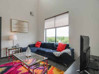 Photo for Dormigo Impressive Apartment Minutes from Belmont and Downtown