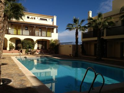 Photo for Apartment In Stunning Grounds And Shared Pool, Walking Distance To Beach, Restaurants And Bars