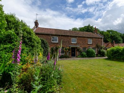 Photo for St Lawrence House - Four Bedroom House, Sleeps 9