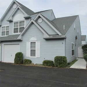 MINI-WEEKS IN REHOBOTH TOWNHOUSE IN POOL/TENNIS COMMUNITY