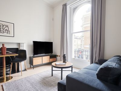 Photo for Sunny 1BR in Notting Hill by Sonder