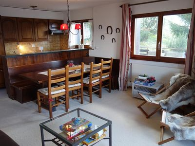 Photo for 3-bedroom apartment, 2**, for 8 persons close to the ski lift with a large terrace. Bright living ro
