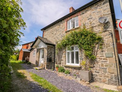 Photo for OLD LION COTTAGE, pet friendly in Newbridge-On-Wye, Ref 993584