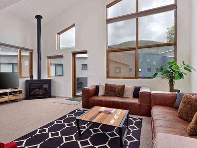Photo for Large luxurious chalet, well equipped and close to Friday Flat
