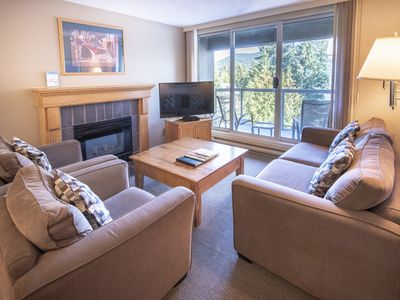 Photo for Spacious True Slopeside Ski In, Ski Out at the Woodrun Lodge - Slopeside Top Floor Condo w/Mtn View & Heated Pool (Unit 611)