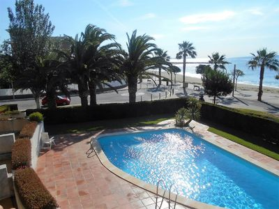 Photo for Front sea views, 1st line, pool, terrace, parking