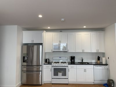 Photo for Newly Renovated 4 Bed 2 Bath Spacious Apartment