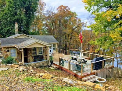 Photo for WATER'S EDGE - Perfect Fall Getaway!  90 ft to lake & 1/4 mi to boat launch