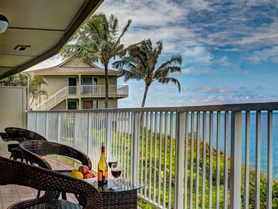 Photo for Ali'i Kai 6102 - Spectacular oceanfront views, 2 bd/2br - close to hiking, shopping and more