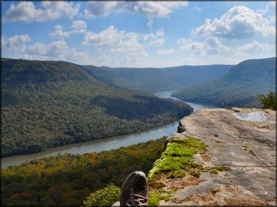 The Tennessee River Gorge from Snooper's Rock.
