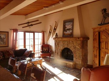 Cozy Mountain Home in Sunny West Vail