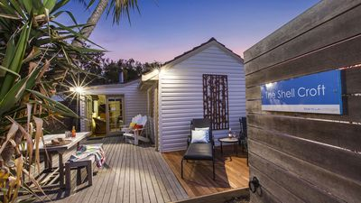 Photo for Shell Croft cottage - 250m to the bay beach